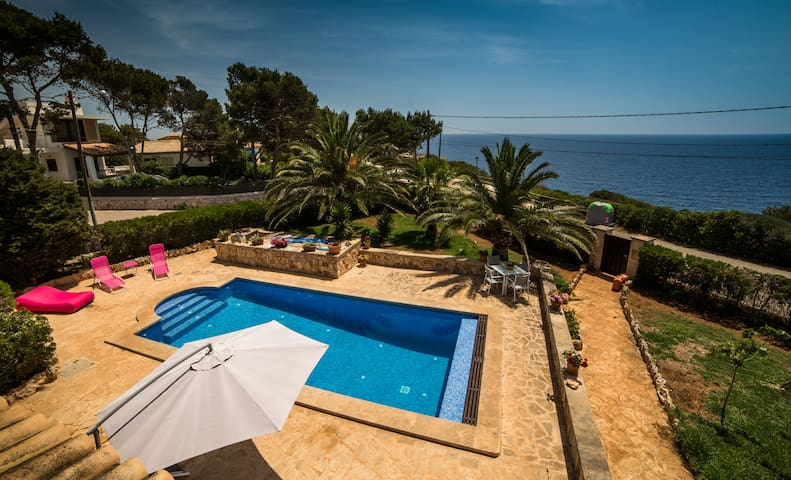 CA NA GLÒRIA lovely house with stunning sea views