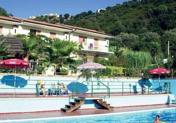 Ferienwohnungen Malidahouse mit Pool und WLAN - Palinuro - House