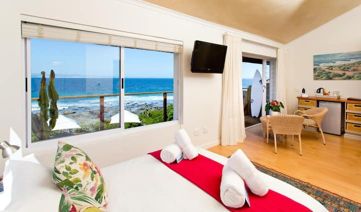 African Perfection 2: Room 13 - Sea View Suite