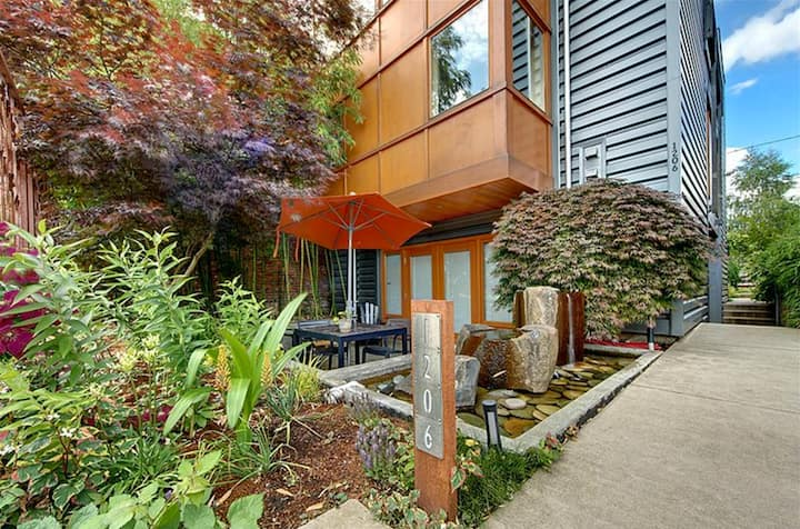 Stunning studio in trendy house, Unit A