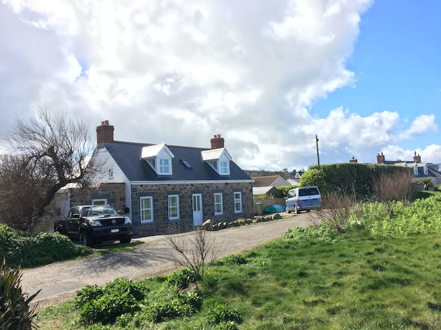 Beachcomber Cottage Vazon Guernsey - Castel - House