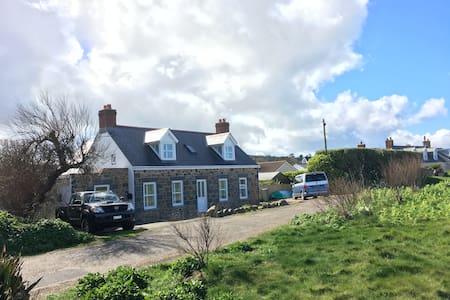 Beachcomber Cottage Vazon Guernsey - Hus