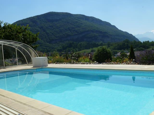ANNECY Studio indépendant dans villa avec piscine - La Balme-de-Sillingy - Byt
