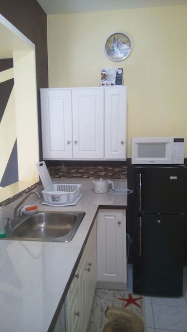 Kitchenette recently upgraded. Pots, cooking utensils, 4 slot toaster etc included.