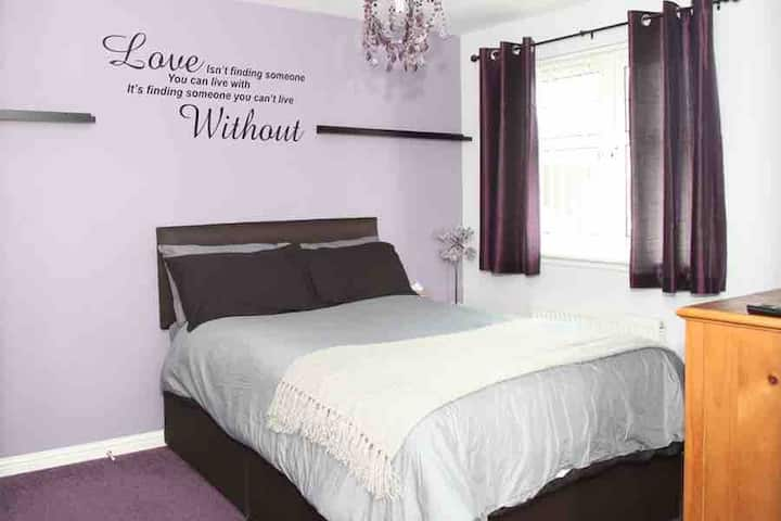Comfortable Private Rooms in Rosyth