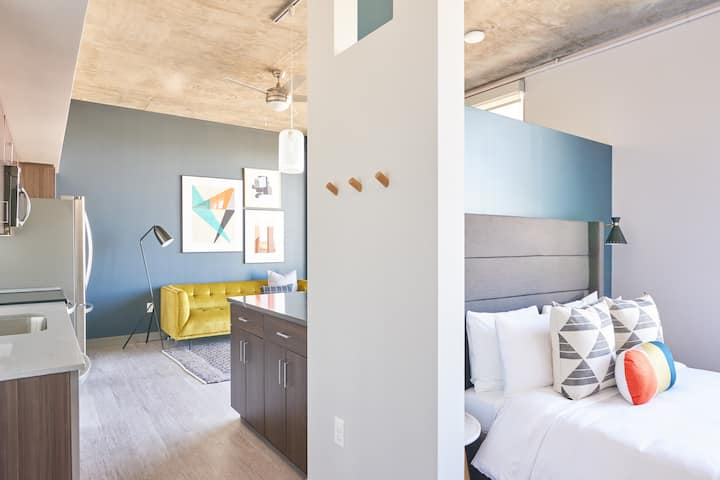 Sonder | Downtown 1BR | Monthly Discounts