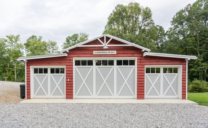 The Blissful Barn: a mountain getaway!