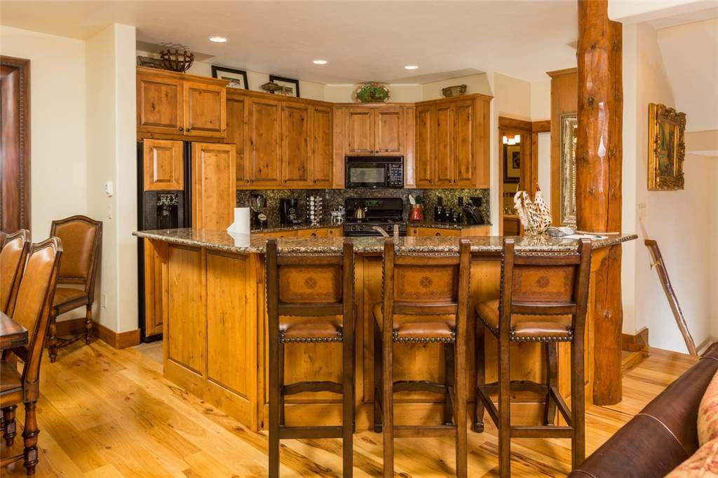 Chair,Furniture,Indoors,Kitchen,Room