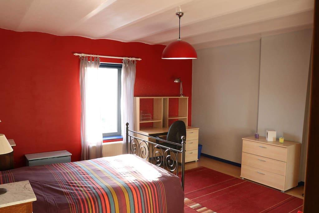 chambre en campagne 2 pas de nivelles chambres d 39 h tes louer pont a celles r gion. Black Bedroom Furniture Sets. Home Design Ideas