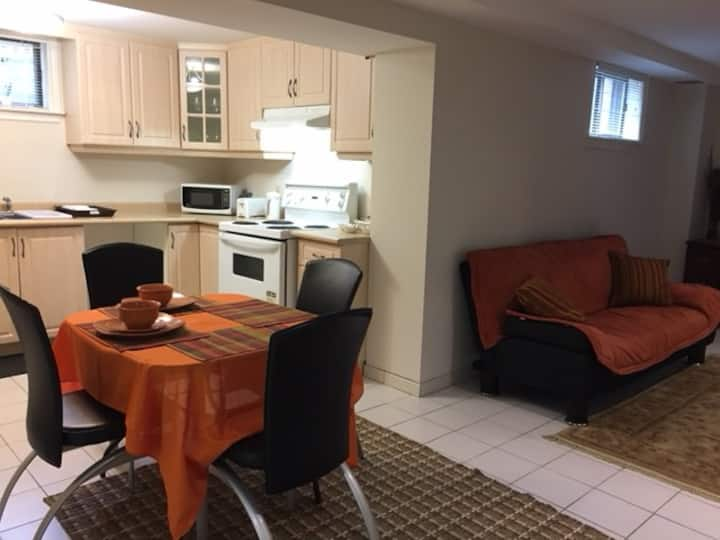 Lovely Private Apartment in Richmond Hill, ON