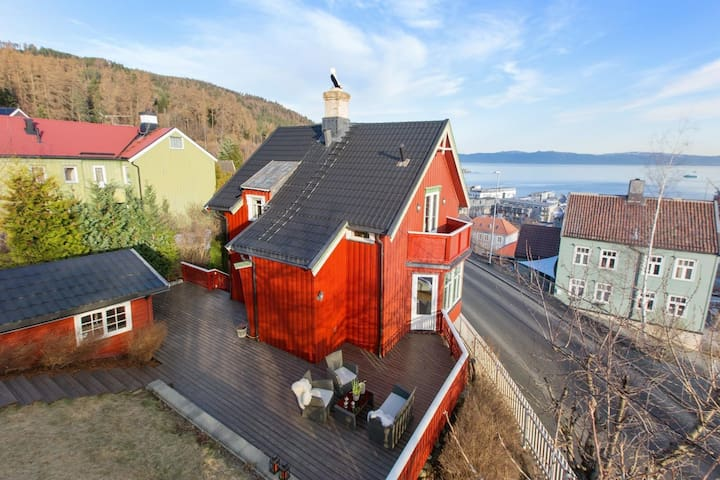 Cozy and spacious villa close to city and forest - Trondheim - House