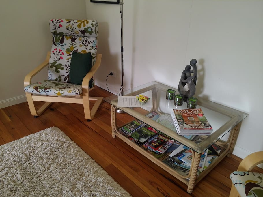 Sitting area. (Magazines, travel information and lollies!)