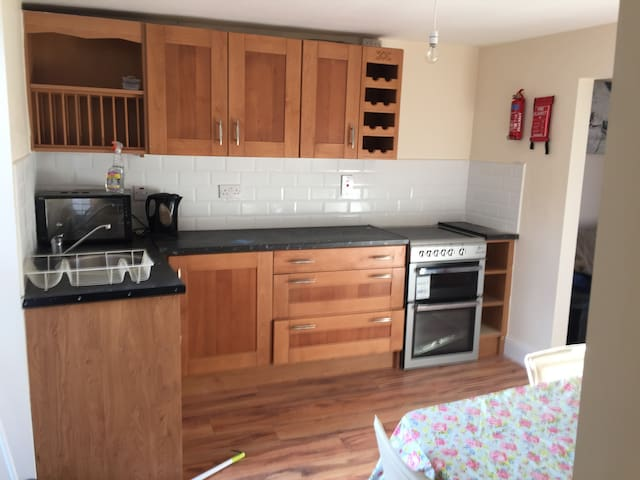 Two Bedroomed Pad :) - Cork - House