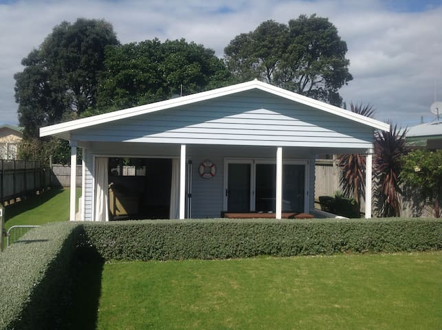 Cool Waihi Beach House, North End - Waihi Beach - Haus