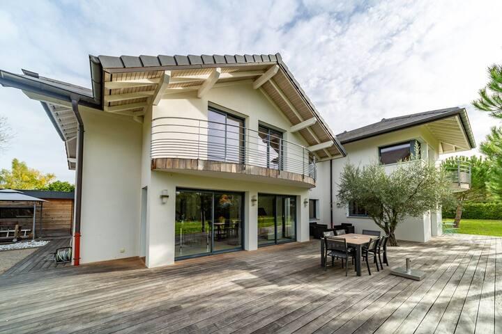 Dream villa with for families / Geneva center 14KM