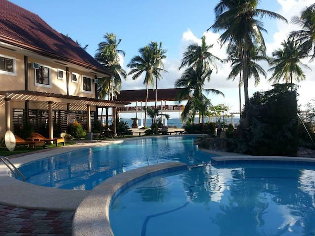 DENAVILLE RESORT - PH - Villa