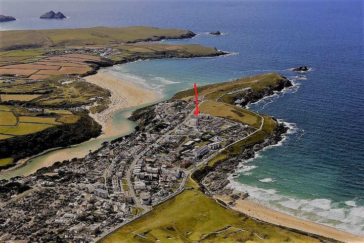 Walk to Fistral beach from this spacious apartment