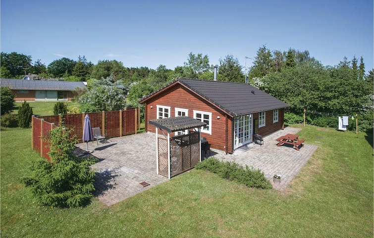 Holiday cottage with 3 bedrooms on 120 m² in Eskebjerg