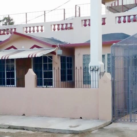 Vacation Rental Portmore Jamaica - Portmore - Apartment