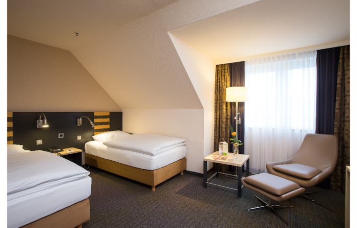 Zweibett Zimmer im Lindner Congress Hotel