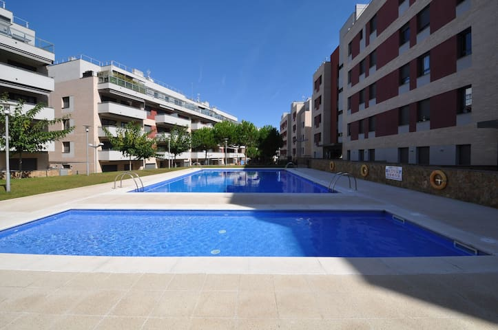 Apartment Mikki -100 m2, terrace, 200m from the beach, air conditioning, parking