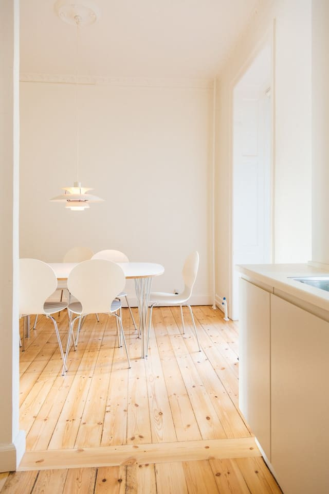 Kitchen - Diningtable