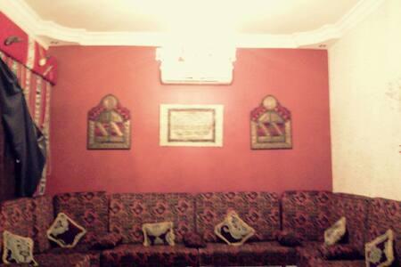 شقة مفروشة ضمن فيلا من دورين - Tripoli
