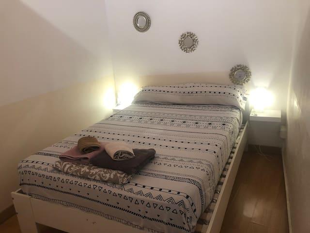 Lovely room in the center of Barcelona