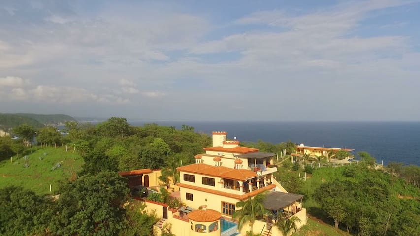 Casa Xcaanda Oceanfront with Pool