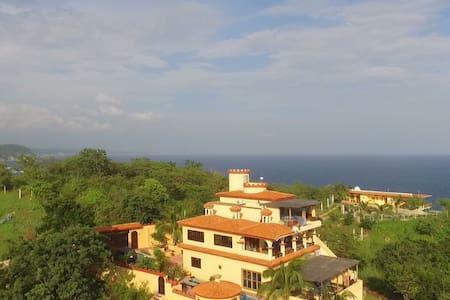 Casa Xcaanda Oceanfront with Pool