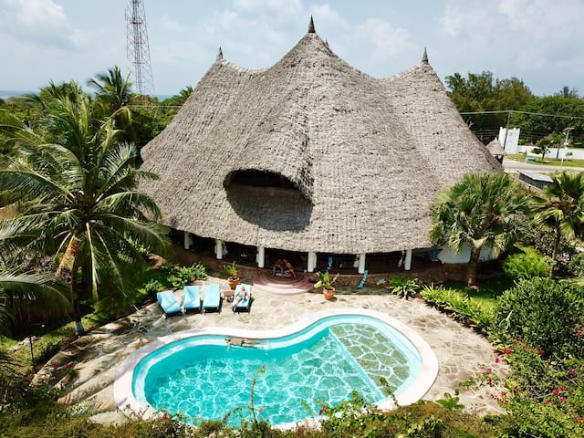 Kenya-Style Private Villa with Pool and Chef