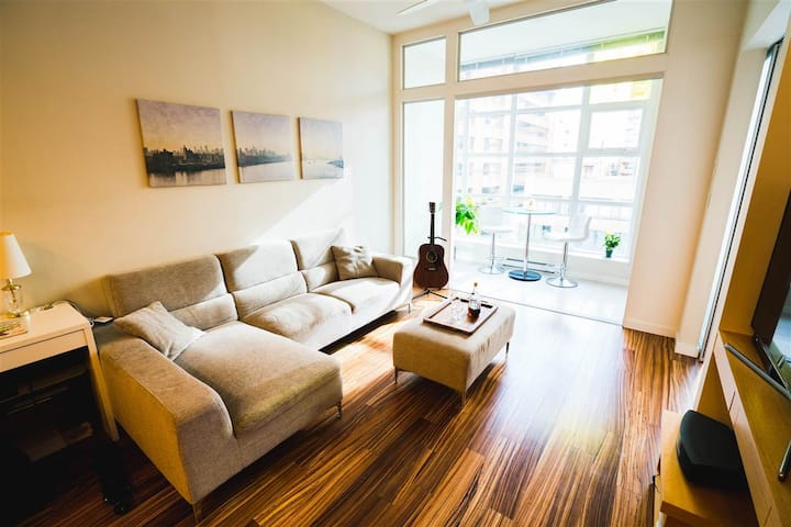 ⭐⭐⭐⭐⭐ Yaletown Luxury Apartment