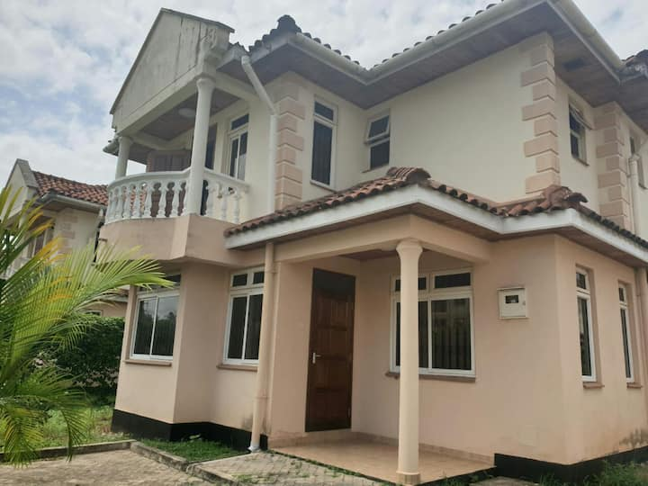4 bedroom (all ensuite) fully furnished villa.