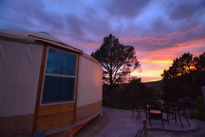 Yurt Overlook at East Zion Resort #9 (2 King Beds)