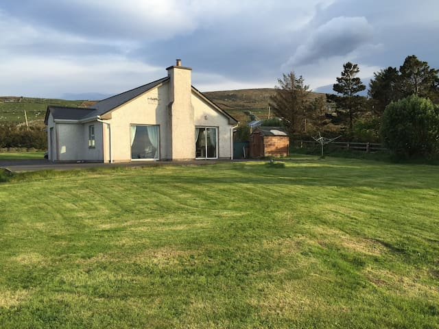 Welcome to Clare View Cottage. - Louisburgh - House