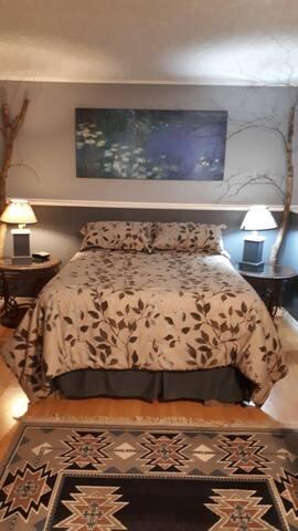 Birch Room @ Bert Bark Inn