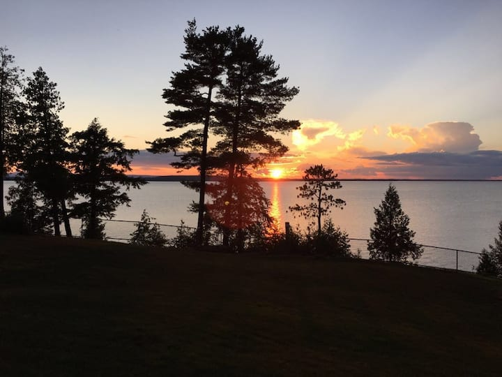 Lake Champlain Private Beach & Sunsets Vermont