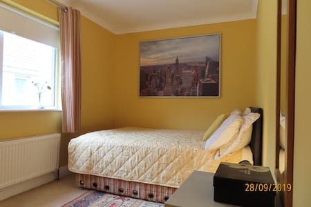 Double Room in period house overlooking Dublin Bay