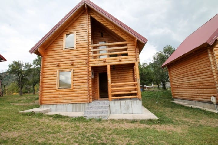 Wooden 2-storey house with a separate bedroom - Kolašin - Casa