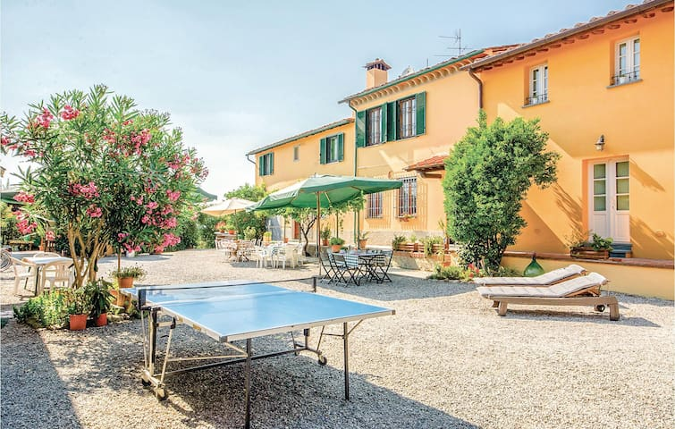 Holiday apartment with 2 bedrooms on 60m² in S.Martino in Colle LU