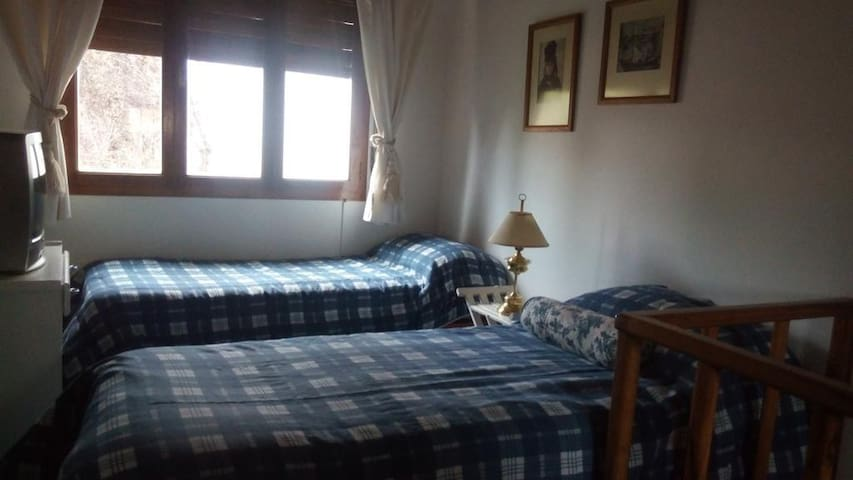Habitación para dos c/ camas individuales