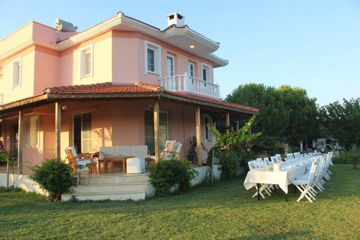 Pembe Köşk, Yazlık Villa, Çiftlik Evi - Ovacık Köyü - Villa