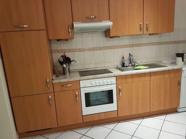 66m2 Wohnung mit Einbauküche,großes Bad