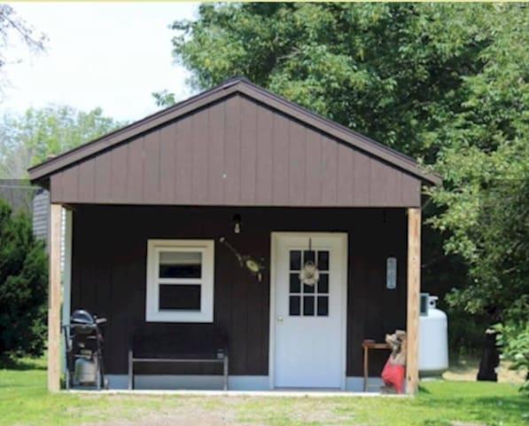 Feeder Creek Lodge & Cabin