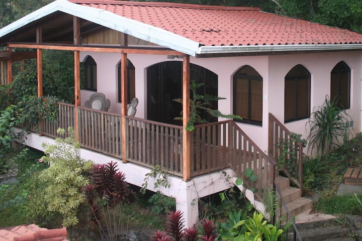1 BR Secluded Hideaway Above Escazu,  Great Views