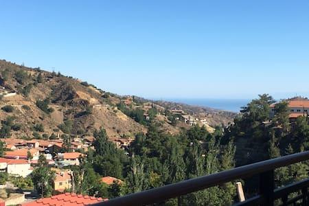 Mountain & Sea views, Kakopetria - Kakopetria - Appartamento