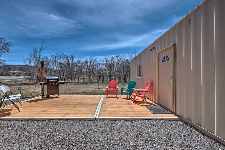 Tiny Home for 4 w/ Patio & Grill by the White Mtns