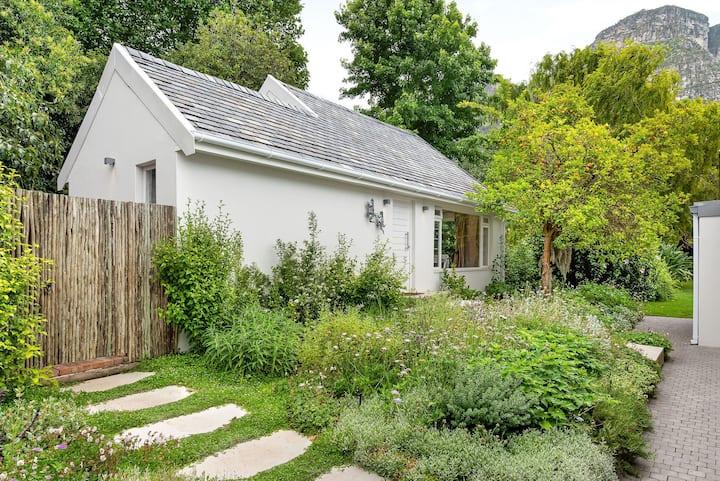 Winchester Garden Cottage