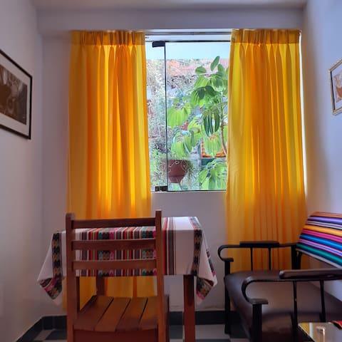 1 In the heart of San Blas, luminous room& Quiet
