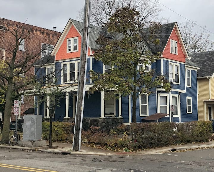 Beautiful Rooming house in Ann Arbor